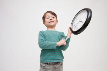 【おうち教材】小学校1年生「時計の読み方」を学ぶのに役立つ素材・WEBコンテンツまとめ